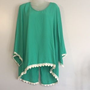Umgee blouse green/cream lace